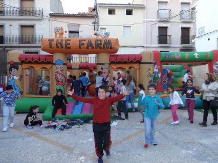 """Parc infantil a la Plaça Pintor Dies per a tots els alumnes de l'Escola de Musica """"Miquel Esparza"""""""
